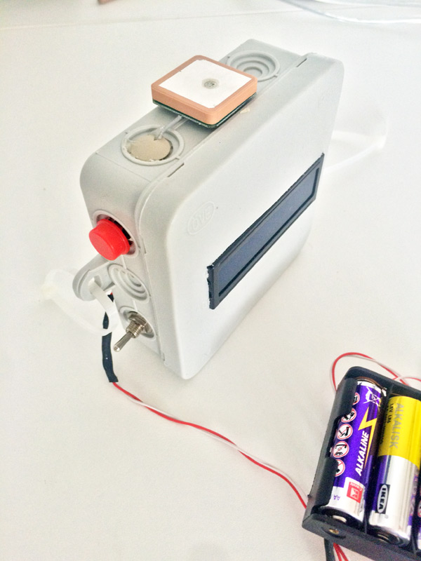 Beitragsbild Arduino GPS-Speedometer/Tracker von außen