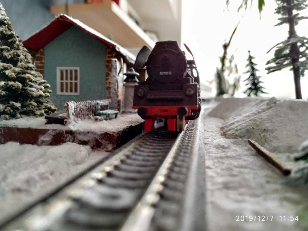 TT / BTTB Eisenbahn BR35 1111-0 Schlepptenderdampflok von vorne