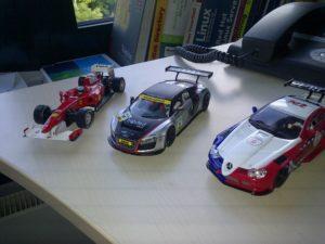 die ersten Carrera Digital Autos