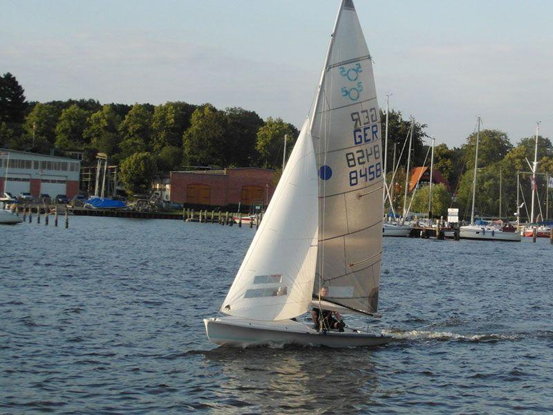 505er segeln kyrwood GER8458 Stadthafen Rostock